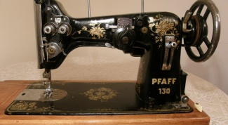 How to disassemble a sewing machine