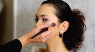 Как накладывать румяна на круглое лицо