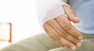 Как снять повязку с раны