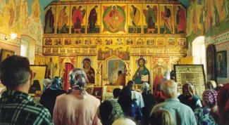Как вести себя в церкви на службе