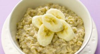 How to cook oat porridge with milk