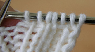 How to knit a hollow gum on the spokes