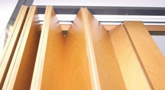Как самому установить дверь-гармошку
