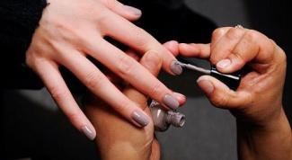 Как модно красить ногти
