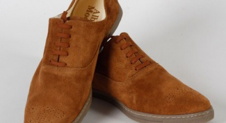 How to clean suede shoes from dirt