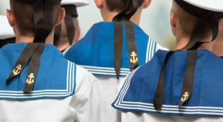 How to sew a sailor suit