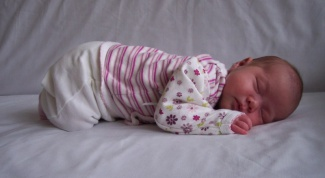 Как новорожденного уложить спать