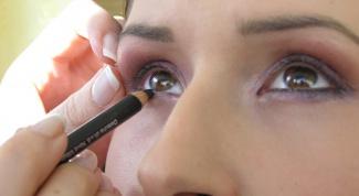 Как можно накрасить глаза