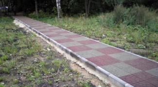 Как выложить дорожки на даче