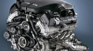 How to identify the engine model