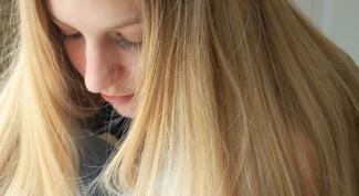 Как окрасить волосы ромашкой