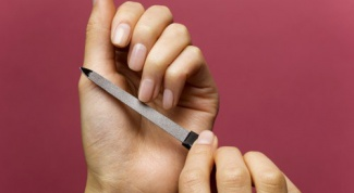 How to determine the shape of the nails