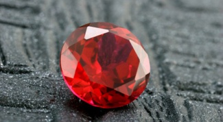 Как отличить рубин  от граната