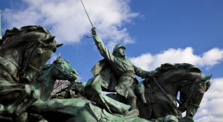 Как поставить памятник в своем городе