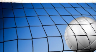 Как лучше играть  в волейбол