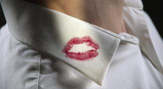 Как отстирать блеск  для губ