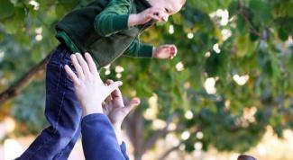 Как папе играть с ребенком