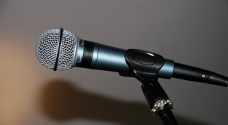 What should I do if my microphone does not work