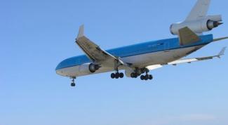 Как узнать стоимость авиабилетов и расписание рейсов