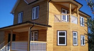 Как строят дома из клееных брусьев