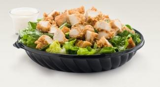 Как приготовить салаты из курицы