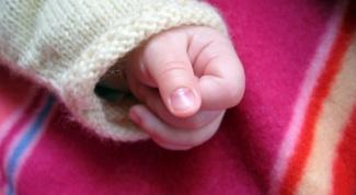 Как обращаться с новорожденным ребенком