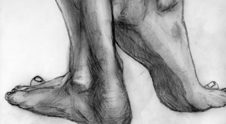 Как нарисовать ноги человека