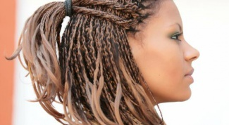How to weave small braids