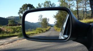 Зачем нужно зеркало заднего вида