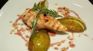Как приготовить куриную грудку под винным соусом