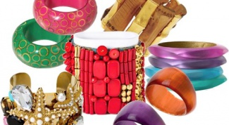 How to wear bracelets on the hands