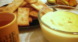 Как приготовить слоеные коржики с кремом из сыра