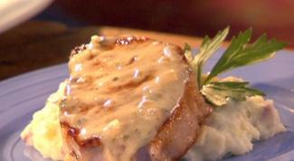 Как приготовить свинину под соусом из камамбера