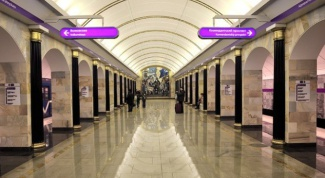 How to understand the St. Petersburg metro map