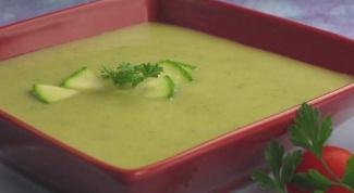 Как приготовить легкий суп из кабачков