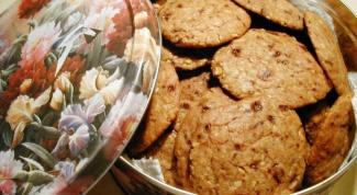 Как приготовить миндальное печенье с вишней