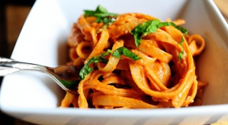 How to cook pasta with tomato sauce