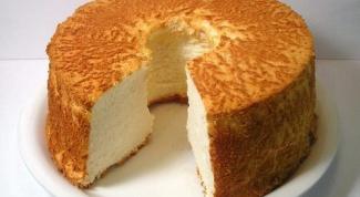 Как приготовить бисквитный пудинг с малиновым сиропом