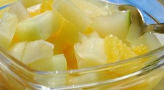 Как сделать салат из курицы с ананасом