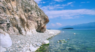 Where to vacation on lake Baikal