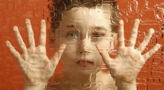 Как распознать у ребенка аутизм