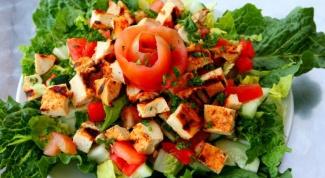 Как приготовить салат с курицей и яблоками