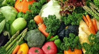 Как приготовить овощи, тушенные с беконом