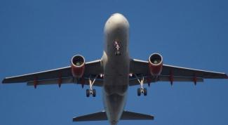Почему в самолет не разрешают брать жидкости