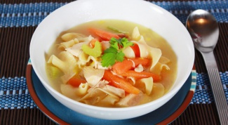 Как приготовить куриный суп с клюквой
