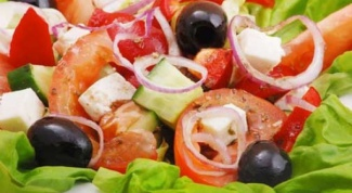 Как сделать салат с брынзой