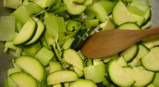 How to make zucchini marinated