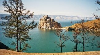 What to do on lake Baikal in the summer