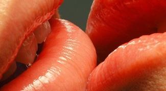 Как появился Всемирный день поцелуя