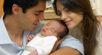 Как очистить ушные раковины новорожденного